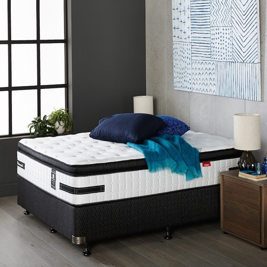Win A Sealy Posturepedic Main Ensemble from Forty Winks
