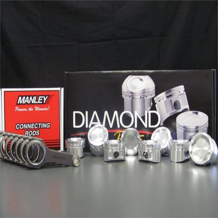 Win a set of Diamond Pistons + Engine Building Courses.