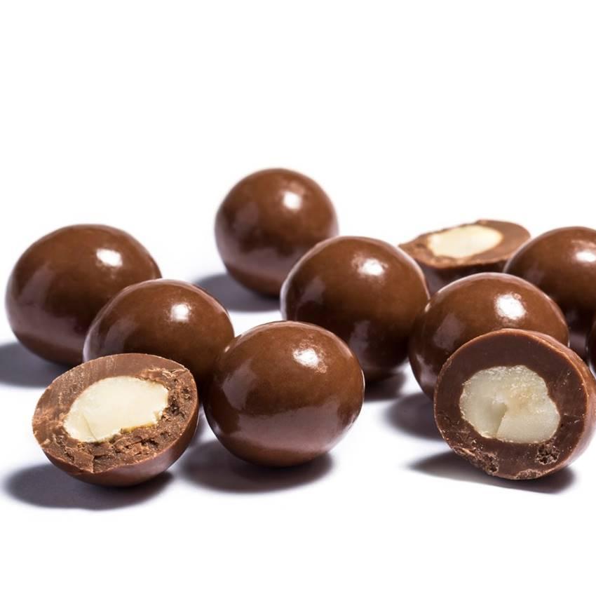 Win 1 Of 10 Kilo Chocolate Macadamia Prize Packs