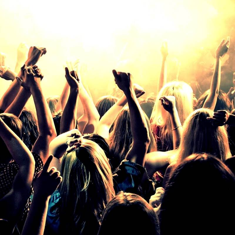 Win a Ticket for you and your mates to Nova's Fringe Final Party