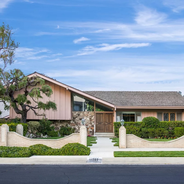 Win a Trip to World-Famous Brady Bunch House