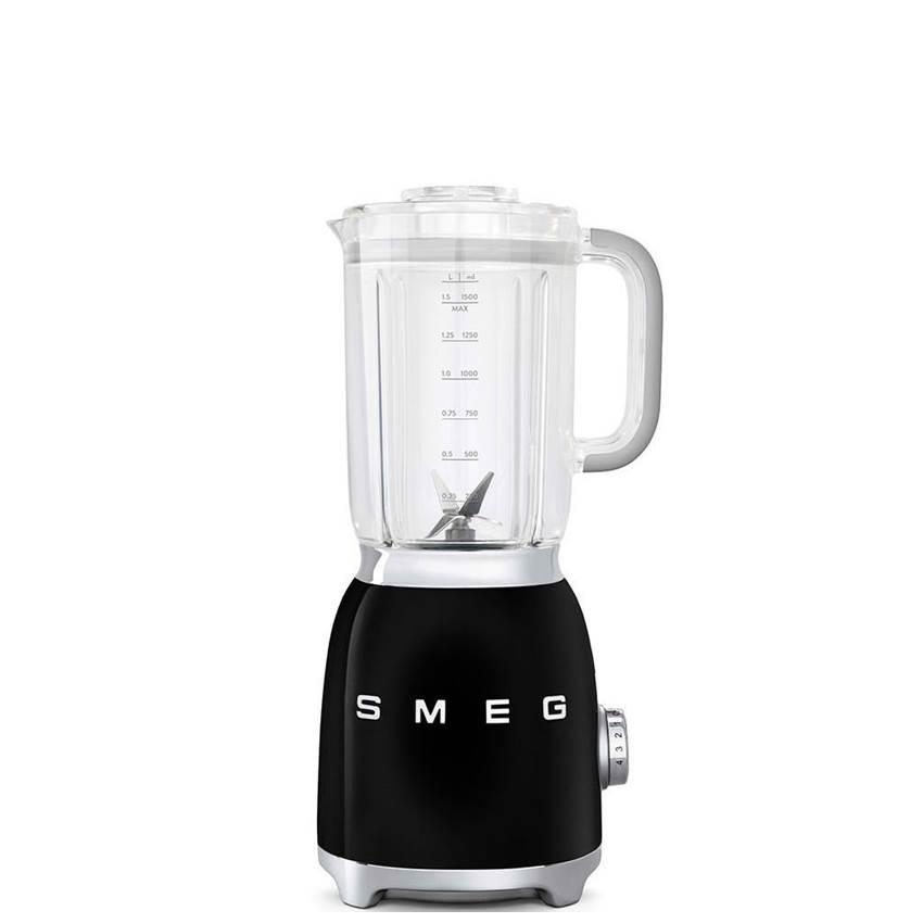 Win A Smeg Blender