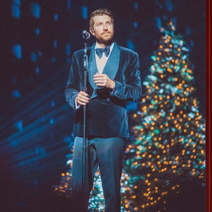 Win a BALSAM HILL  GLOW: A HOLIDAY SWEEPSTAKES WITH BALSAM HILL & BRETT ELDREDGE