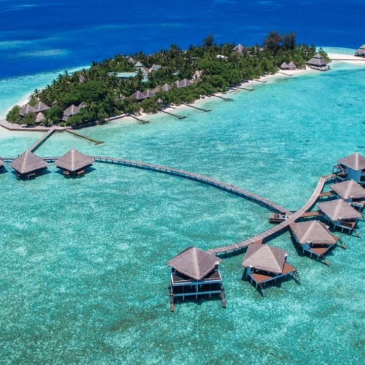 Win a 5D4N Maldives Honeymoon Worth USD 10,000+