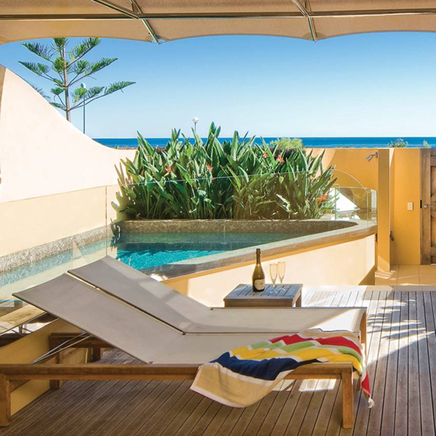 Win ONE OF 3 Girls Getaways At The Byron On Byron Resort And Spa
