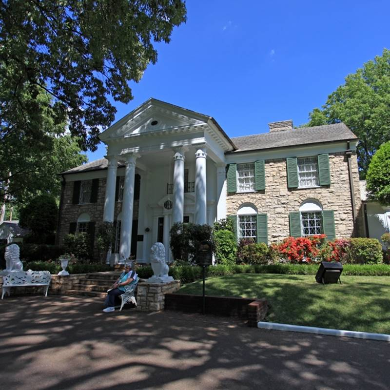 Win a Trip to Memphis, Tennesse to visit Graceland